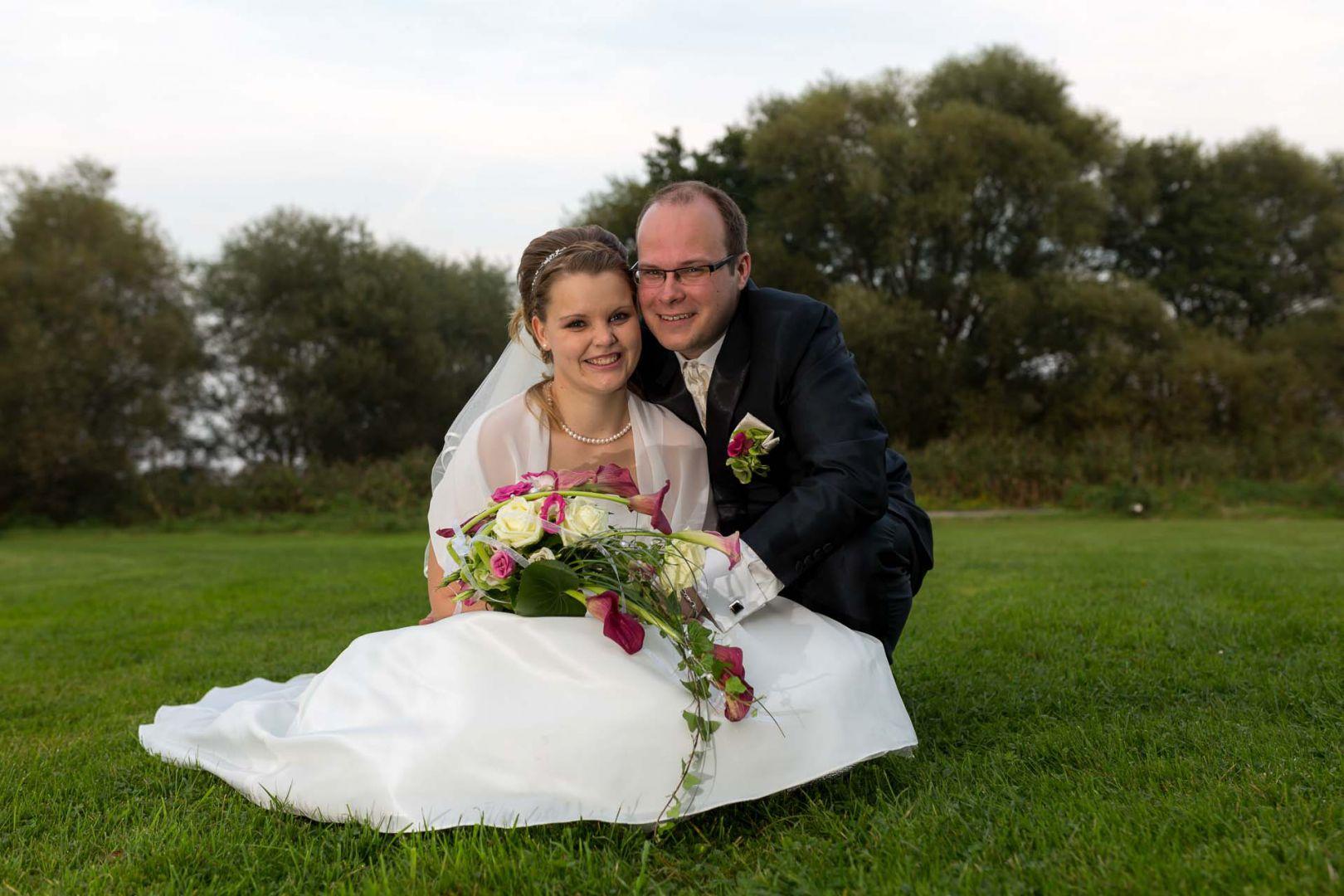 Portraits vom Brautpaar - Hochzeit in Spohienhof bei Preetz von Kerstin und Sebastian aus Hamburg